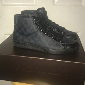 (Gently Used) Men's Black GUCCI Sneakers - Size 9